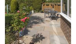 brett-landscaping_flamed-sandstone_photo_5_5.jpg