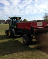 The affordable answer to the problem of repair and maintenance of heavy-use winter sports pitches. Easily applied, fertile and of consistent quality this is the ideal product for achieving rapid turf growth on high-wear areas and improving poor drainage.Spor...