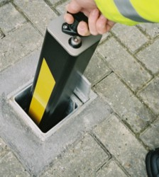 SQUARE TELESCOPIC SECURITY BOLLARD 90 image