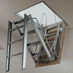 The Fantozzi Tre Ladder offers reliable and robust access into a variety of applications. The heavy duty 3 section steel folding ladder comes supplied with its own hatchbox and trapdoor ready to fit into a range of loft opening sizes.