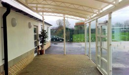 The Oxford twin hoop lean-to format can be used to butt up to existing walls or over sail existing roofs and gutters without creating an additional roof valley.The Oxford twin hoop, trellis arch design is one of the most popular in our range of canopies. The ...