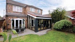 Tatton combines the thermal properties of Loggia columns with the ultimate roofing solution - realROOF. The realROOF offers a magnificent vaulted plastered ceiling on the inside enhancing the feeling of space. It can be dressed on the outside with tiles or sla...