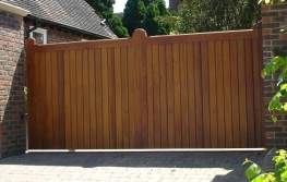 Eagle Hardwood Sliding gate EAGHG003 image