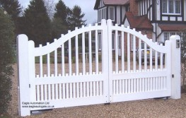 Eagle Hardwood Electric Gate Surrey EAGHG008 image