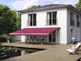 Its the one with the most shade for everybody: maximum width of the markilux 5010 is seven metres. This should host all – and everything fits perfectly together: different upper and lower arm lengths provide great stability and give the cover brillant tautne...