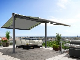 The perfect free-standing sun- and weather protection for large areas: the markilux syncra 2 fix rests on two round posts which are firmly bolted into concrete footings. The awnings can be extended to both sides – like wings; in case of need only one side ma...
