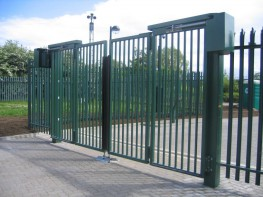 Bi-Folding Trackless Speed Gate - CSG 10604 image