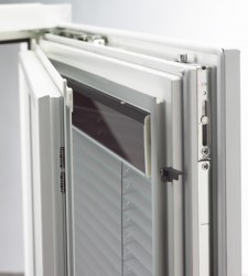 The energy which the window requires and uses, should be produced by the window itself. The first product which follows this principle is the motor driven blind of the window with integrated blinds. 