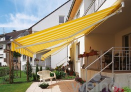 High on quality, low on budget – the perfect model to get you started.  As it comes with several options, you'll always _nd a matching Topas no matter the type of structure. The Topas open awning is very wind resistant, and when one of the many frame col...