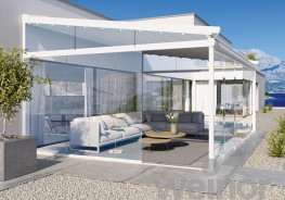 The weinor PergoTex _exible folding roof converts a patio or terrace into a stunning outdoor living room with Mediterranean flair. When open, it lets you enjoy the full bene_t of the sun, when closed, it provides light and UV protection. And as rain protection...