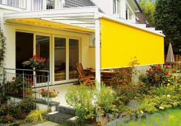 Large vertical glass areas allow the sun to pour in virtually unhindered. The effect: heated interior spaces and unpleasant glare. With an externally ?tted vertical awning from the VertiTex range, weinor offers sun protection, an anti-glare screen, wind protec...