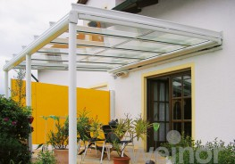 The stylish side awning Paravento protects against inquisitive glances, sunlight and cool side winds. As a cost-effective solution, the lean but robust cassette can be mounted practically anywhere. The Paravento creates attractive highlights in combination wit...