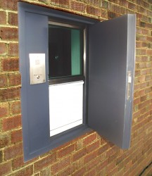 MERIDIAN Module combines the resistance, protection and design of a Pay Point Window with a MERIDIAN Transfer Unit and Steel Door, creating a complete single unit with the benefit of two forms of transfer in a single service position, maximizing staff efficien...
