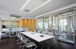 Dorma Hüppe_s Moveo® is the new generation of moveable walls which incorporates ComforTronic® automatic seals as standard. These operable walls allow quicker operation ensuring the acoustic integrity every time.The lightweight design makes even large movi...