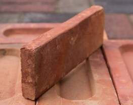 Kullington Red Brick Slip image