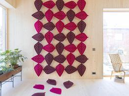 The new sound-absorbent Airleaf is designed by Stefan Borselius with the aim to let nature in. The leaf-shaped modules can be combined into sound-absorbent screens in a variety of patterns and formats.Much like the previous success Airflake, Airleaf is made ...