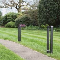 astro-lighting-ltd_napier-bollard-650-led-7406_photo_6_35614-napierbollard650-bbrarchitect-insitu-footpath.jpg