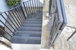 LCC STYLE - Straight Stairs image