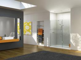 Boutique Walk-In for Recess with Integrated Tray image