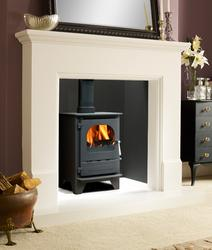 With all the best parts of the Highlander range of stoves we have developed the single door Dunsley Highlander Solo Range. The single door gives uninterrupted views of the fire area, allowing you to enjoy the flickering flames without any compromise in efficie...
