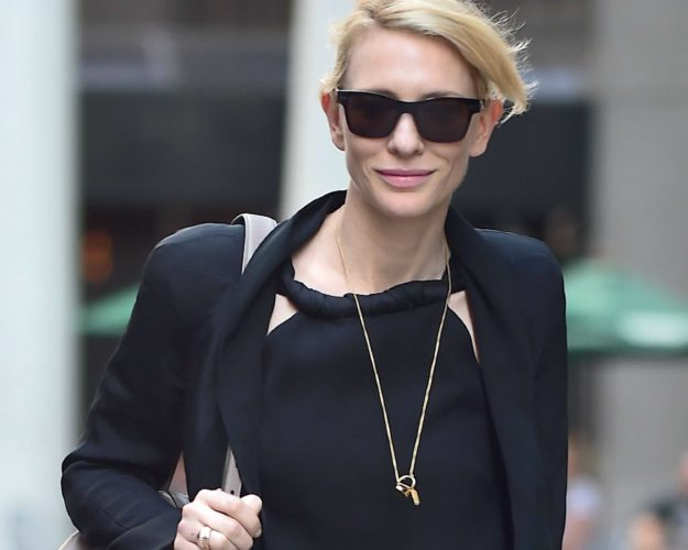Cate Blanchett Shows O... Cate Blanchett