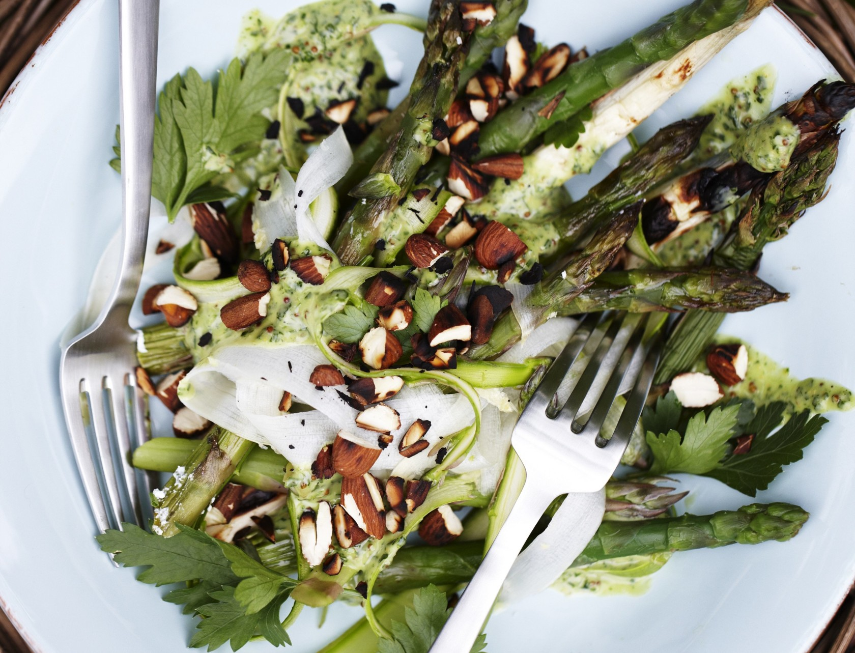 Den bedste forret med grønne asparges