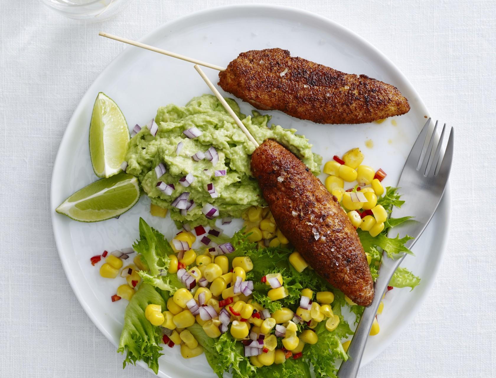 Kyllingespyd med tandoorikrydderi og lækkert tilbehør
