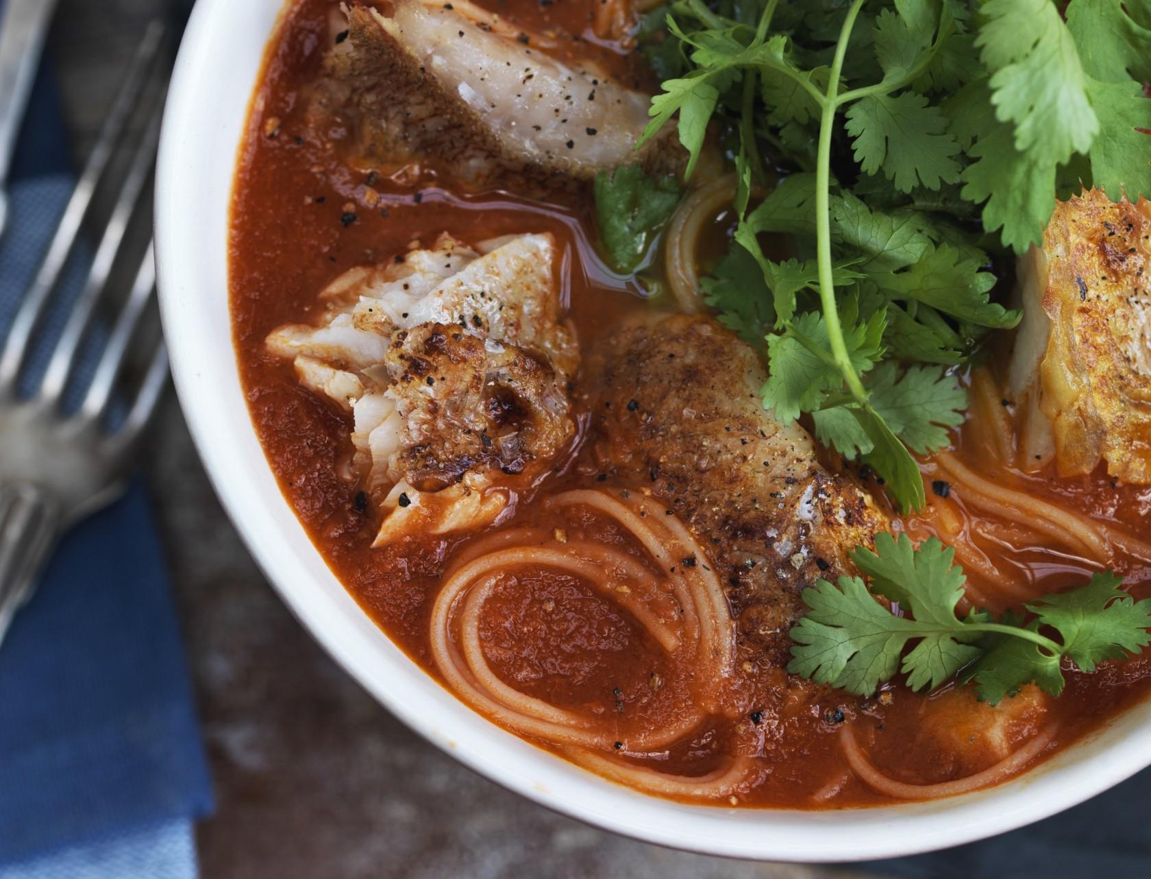 Tomatsuppe med ristet rødfisk