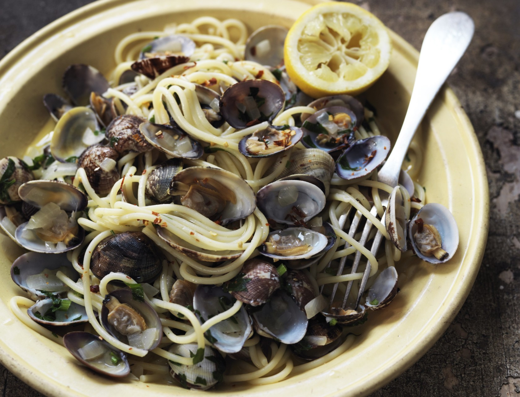 Spaghetti med hjertemuslinger - på italiensk spaghetti alle vongole. Mums!