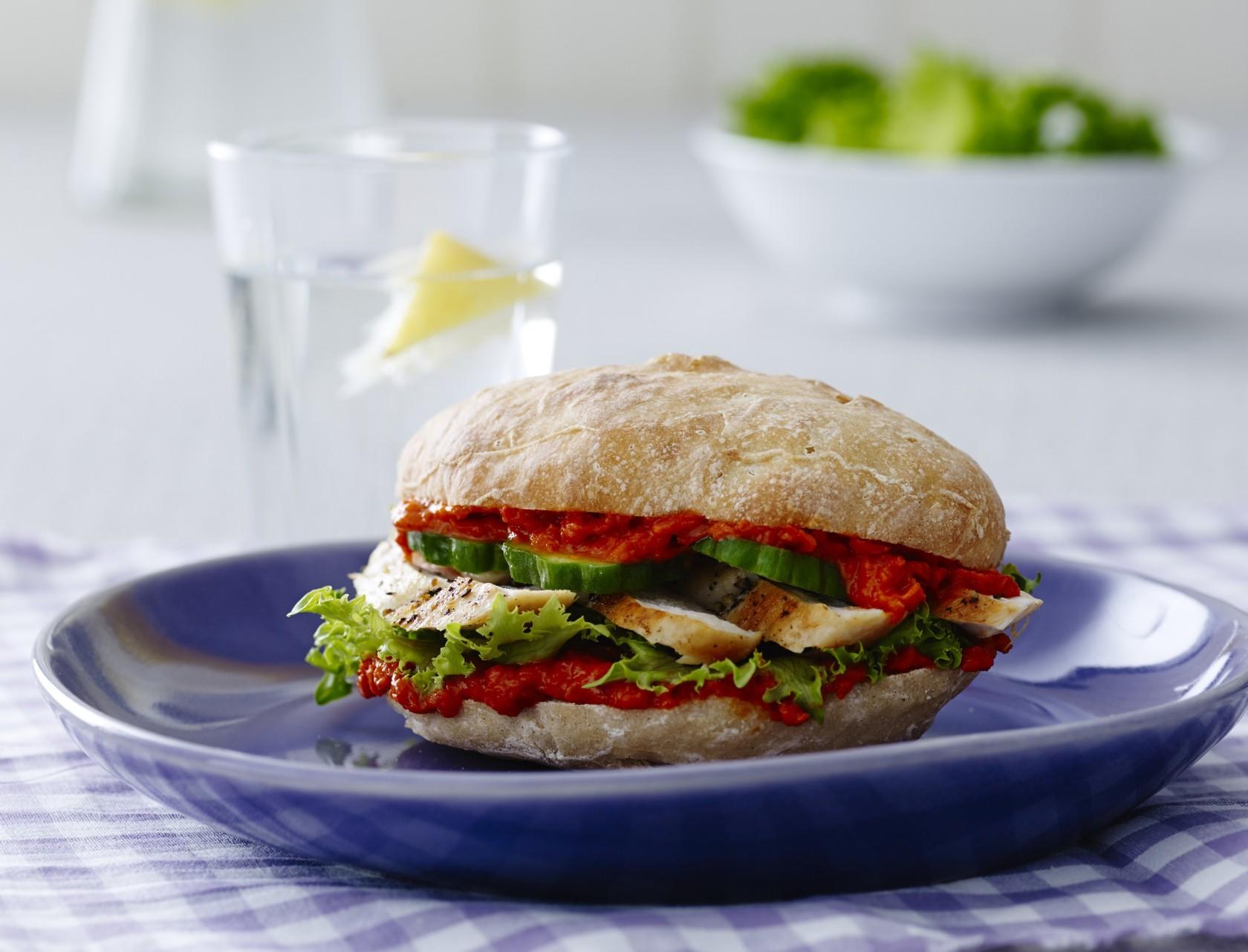 Sandwich med kylling og ajvar