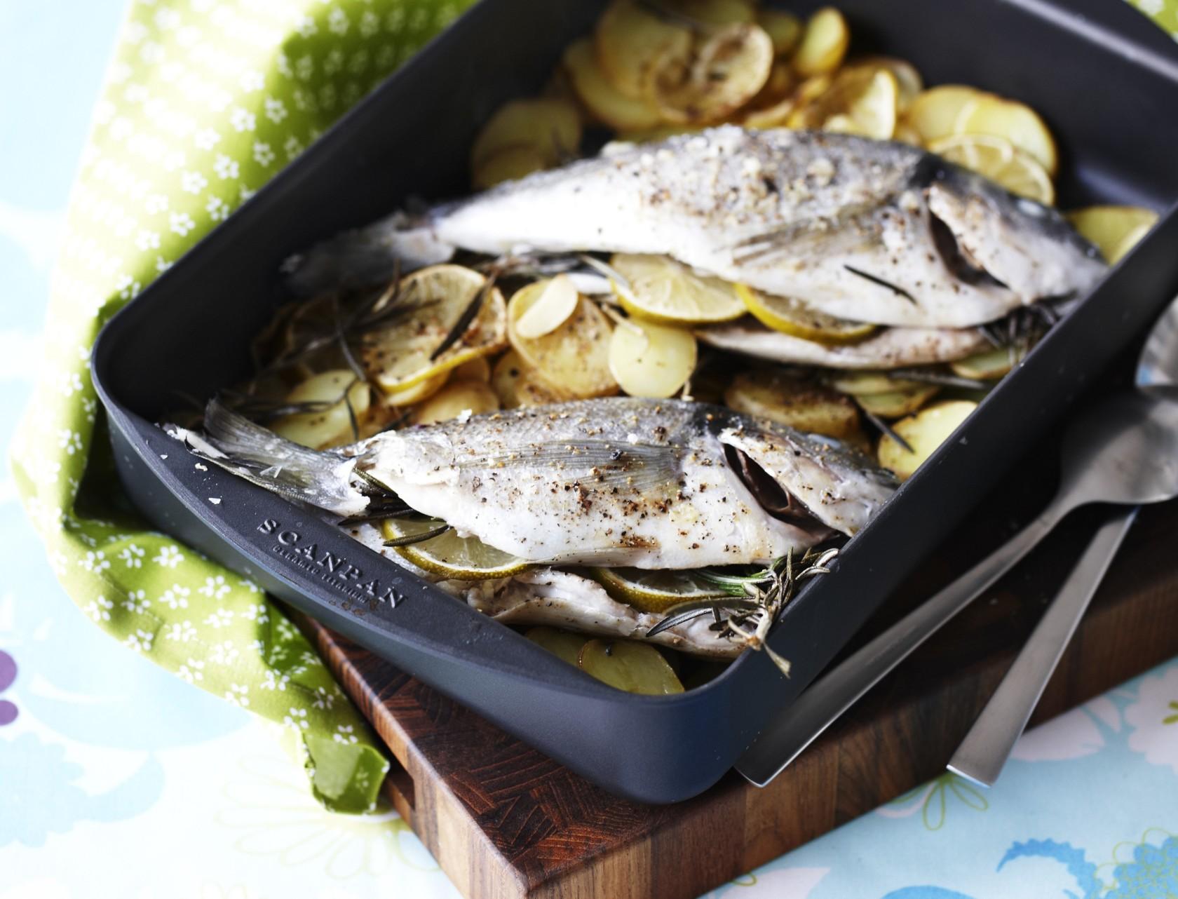 Dampet fisk med aspargessalat og rosmarinkartofler