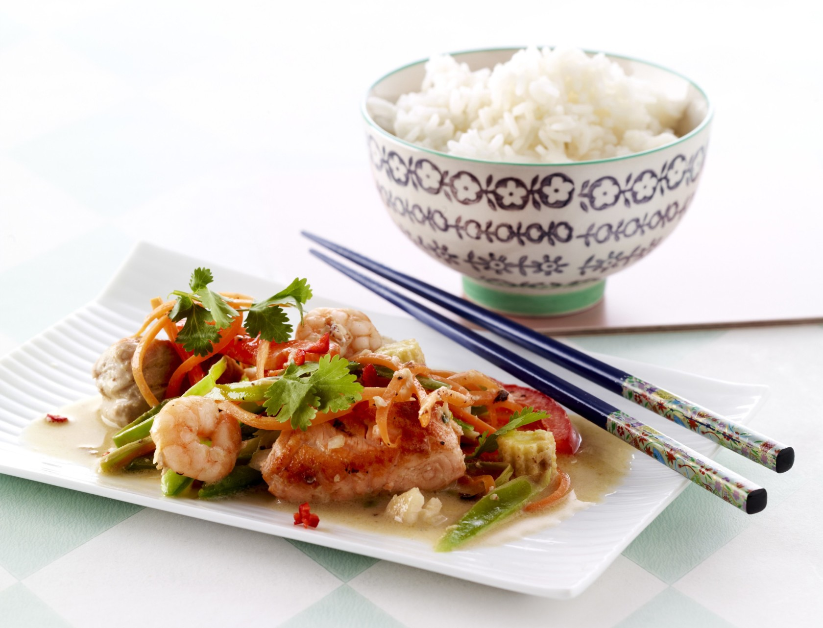 Wok med fisk og grøntsager - nem og sund aftensmad!
