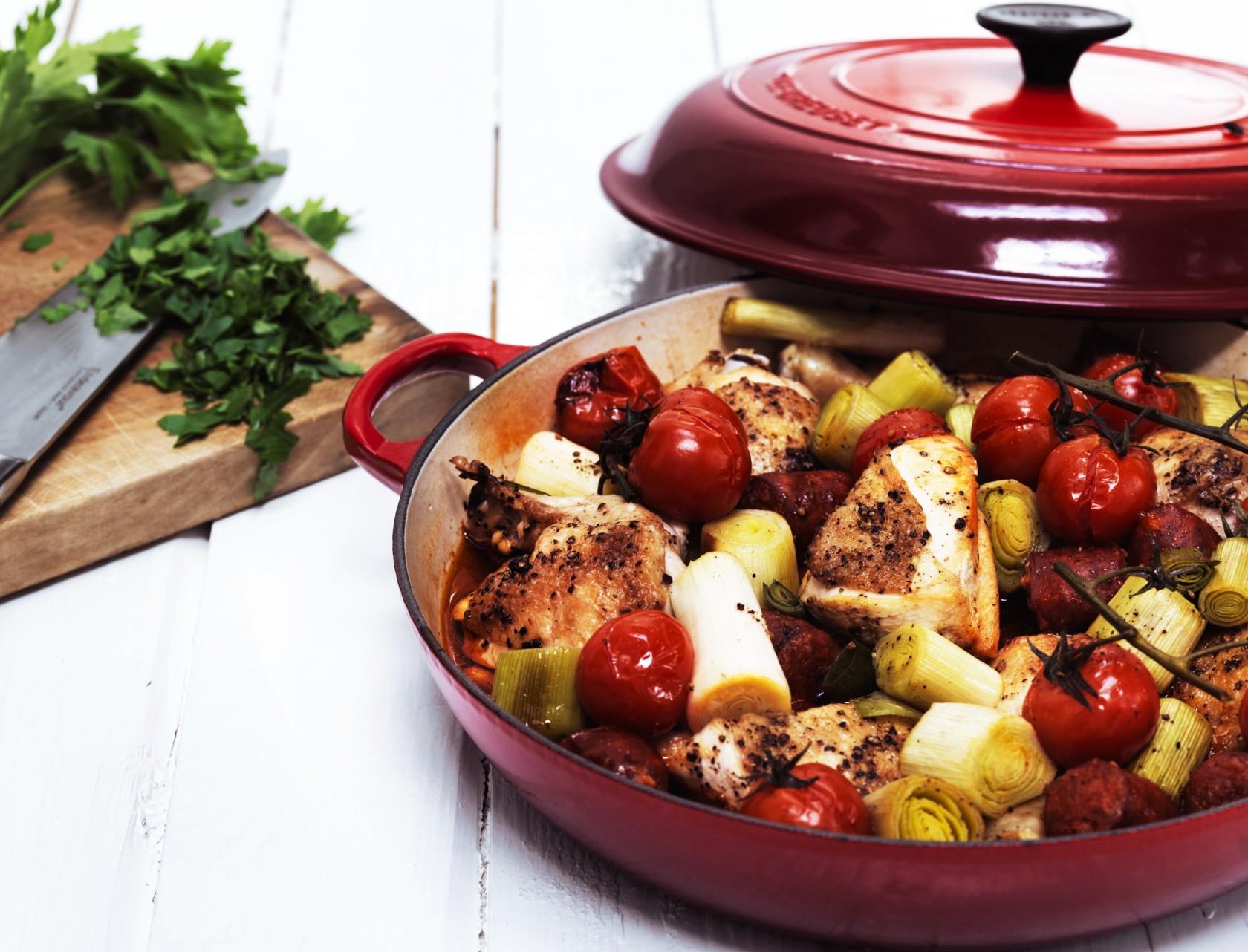 Kylling i stegeso med grøntsager - nem og lækker opskrift!