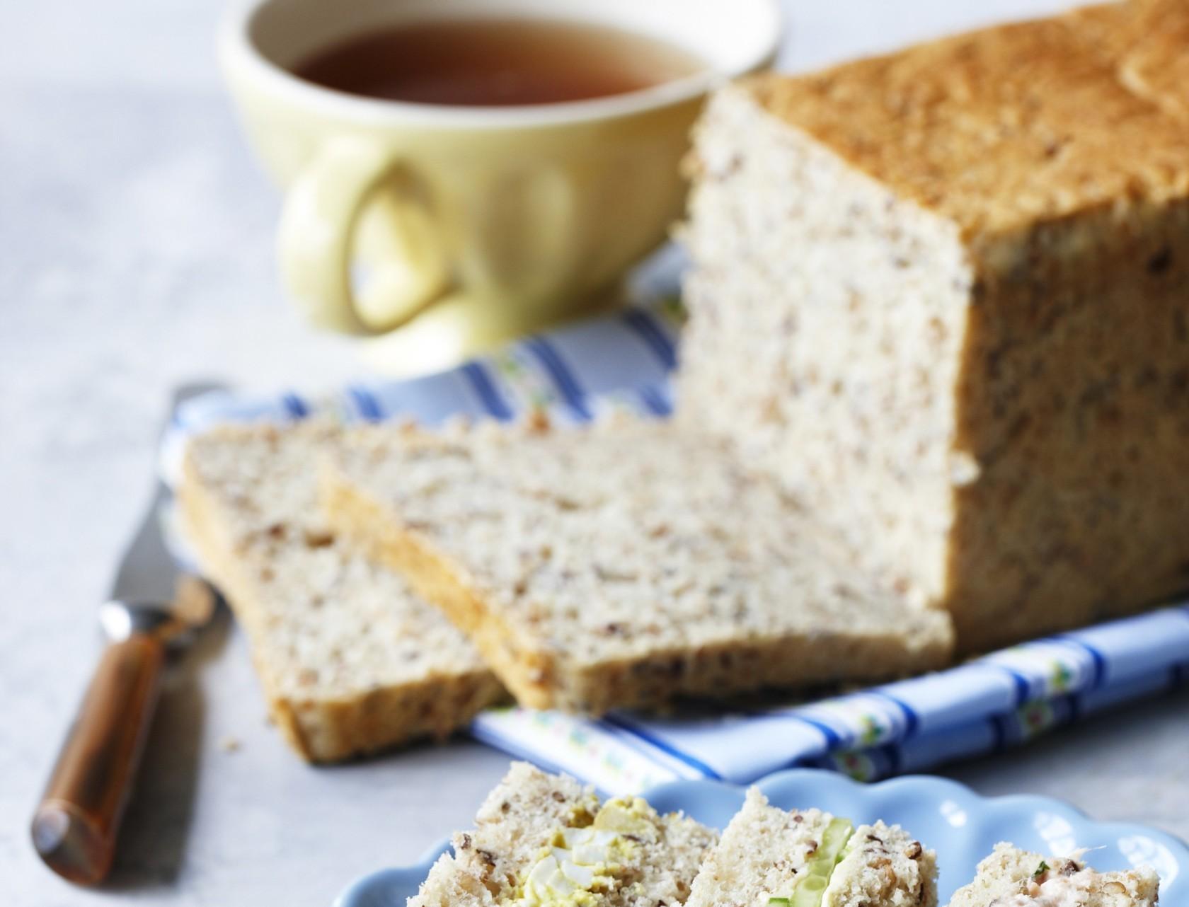Groft sandwichbrød - nem og lækker opskrift!