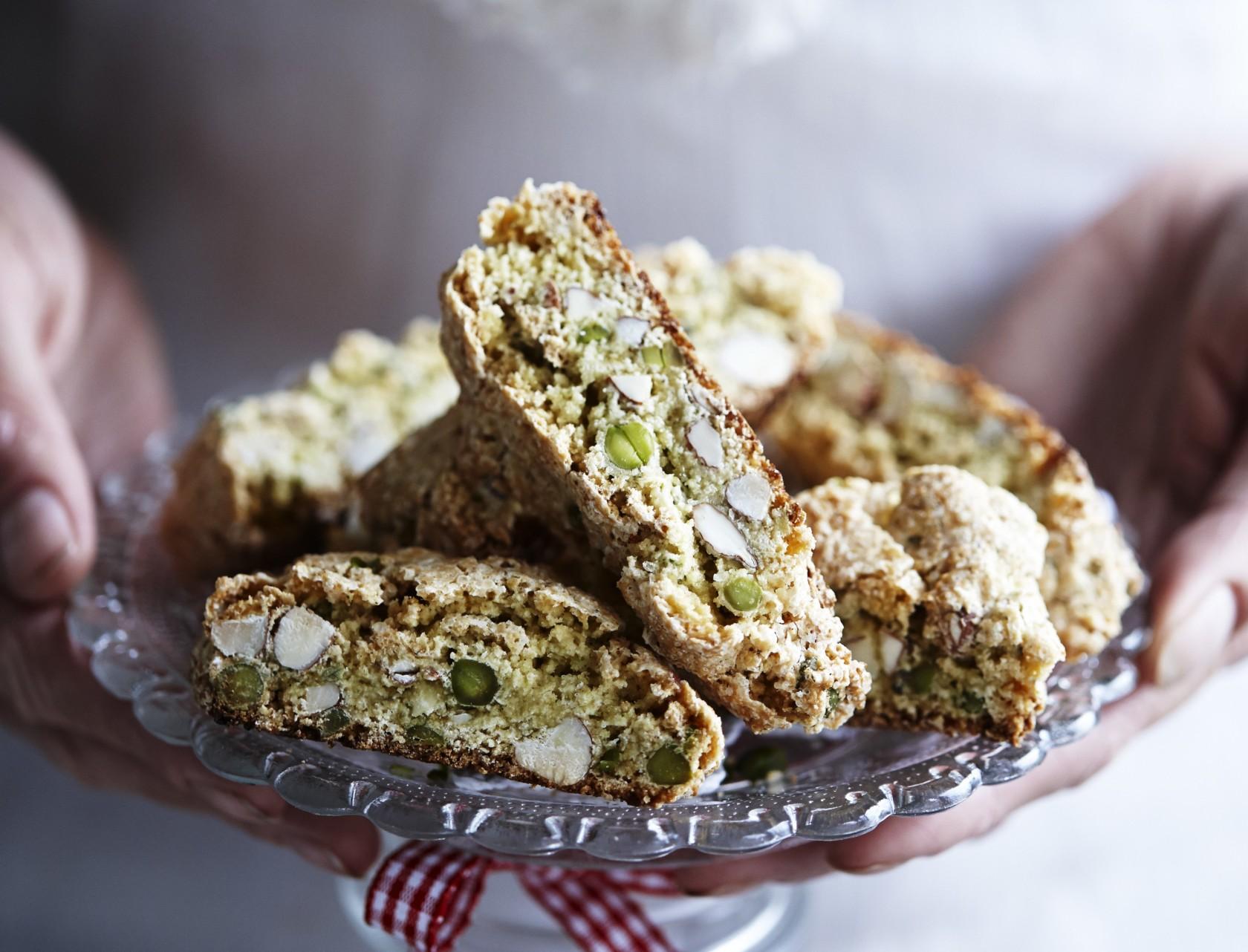 Biscotti med kardemomme, mandler og pistacienødder