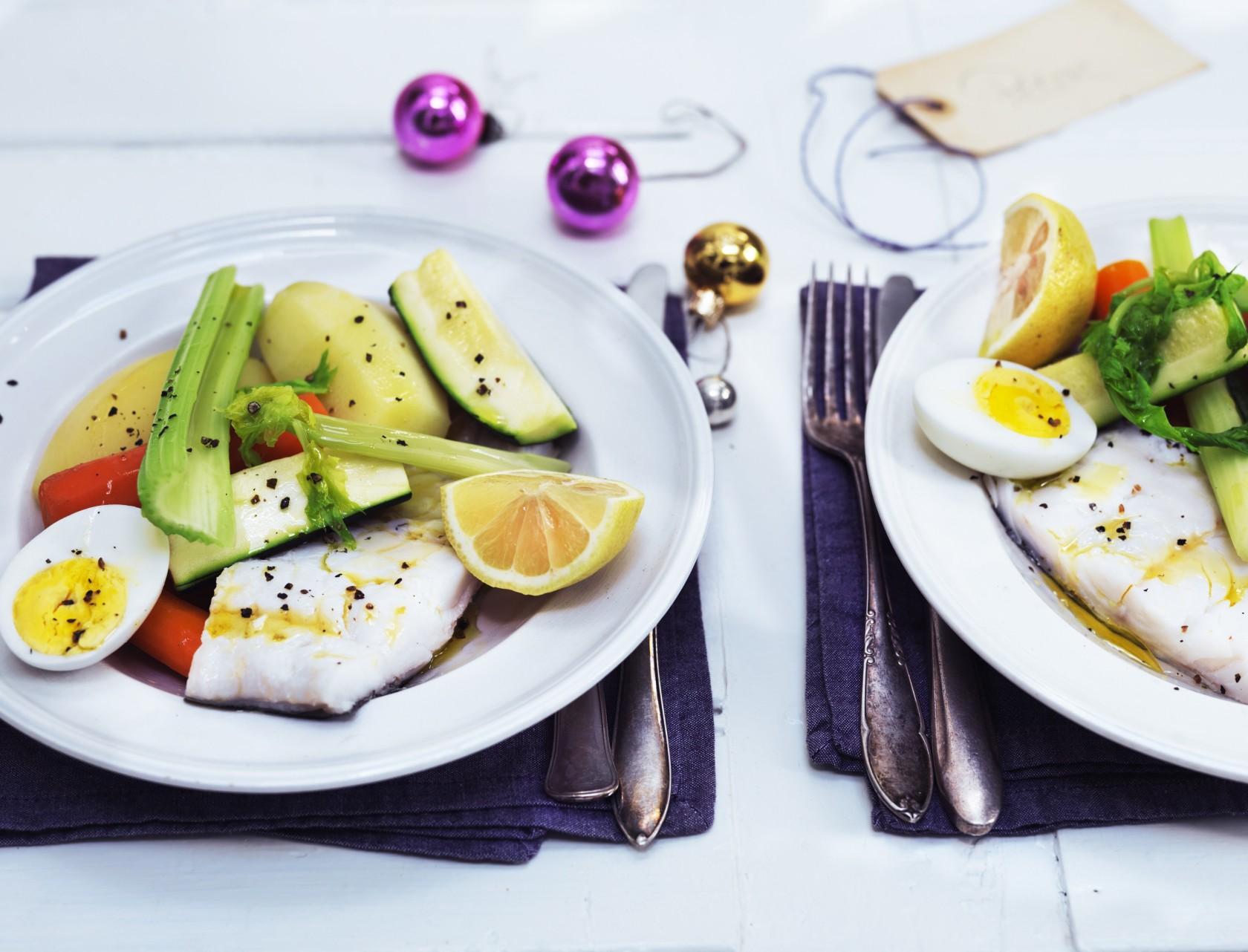 Saltet torsk med kartofler og grøntsager