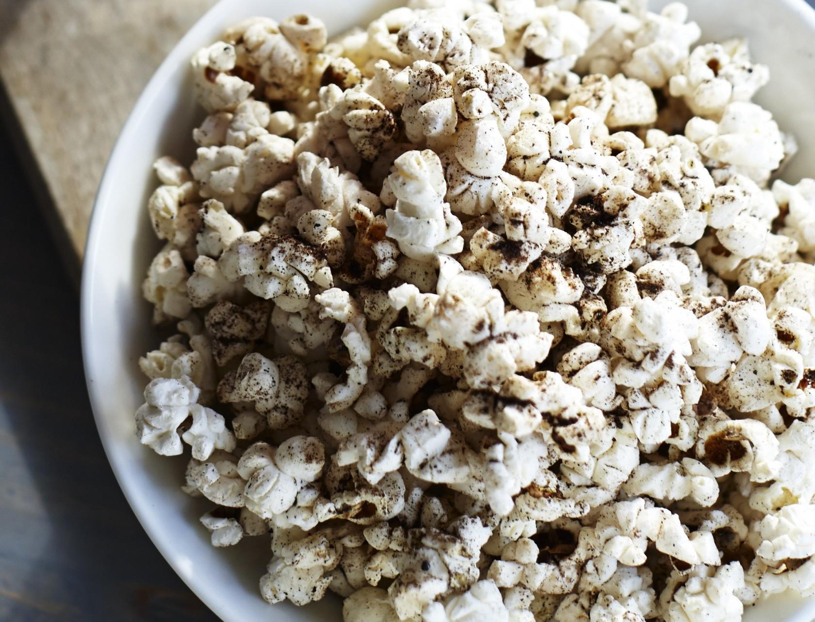 Popcorn med lakridssmag