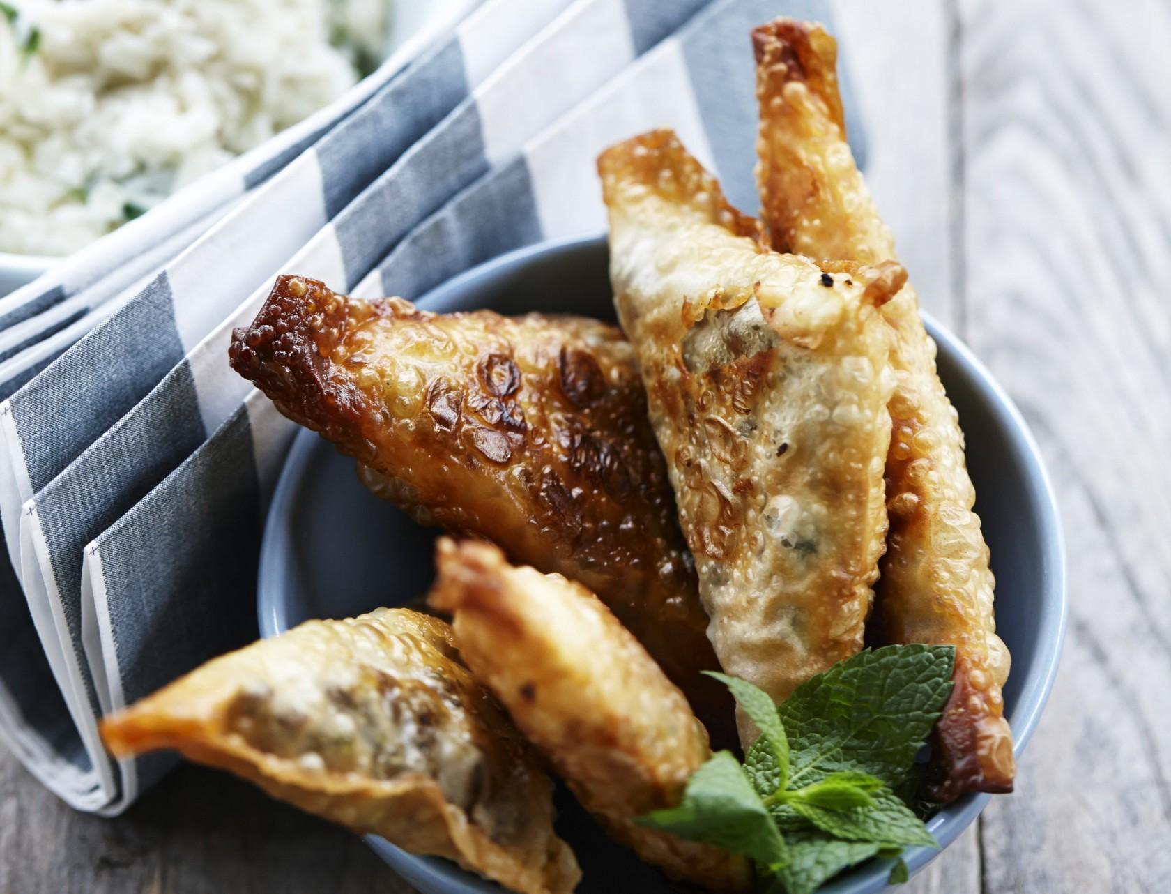 Samosa med oksekød - sprød dej med lækkert fyld.