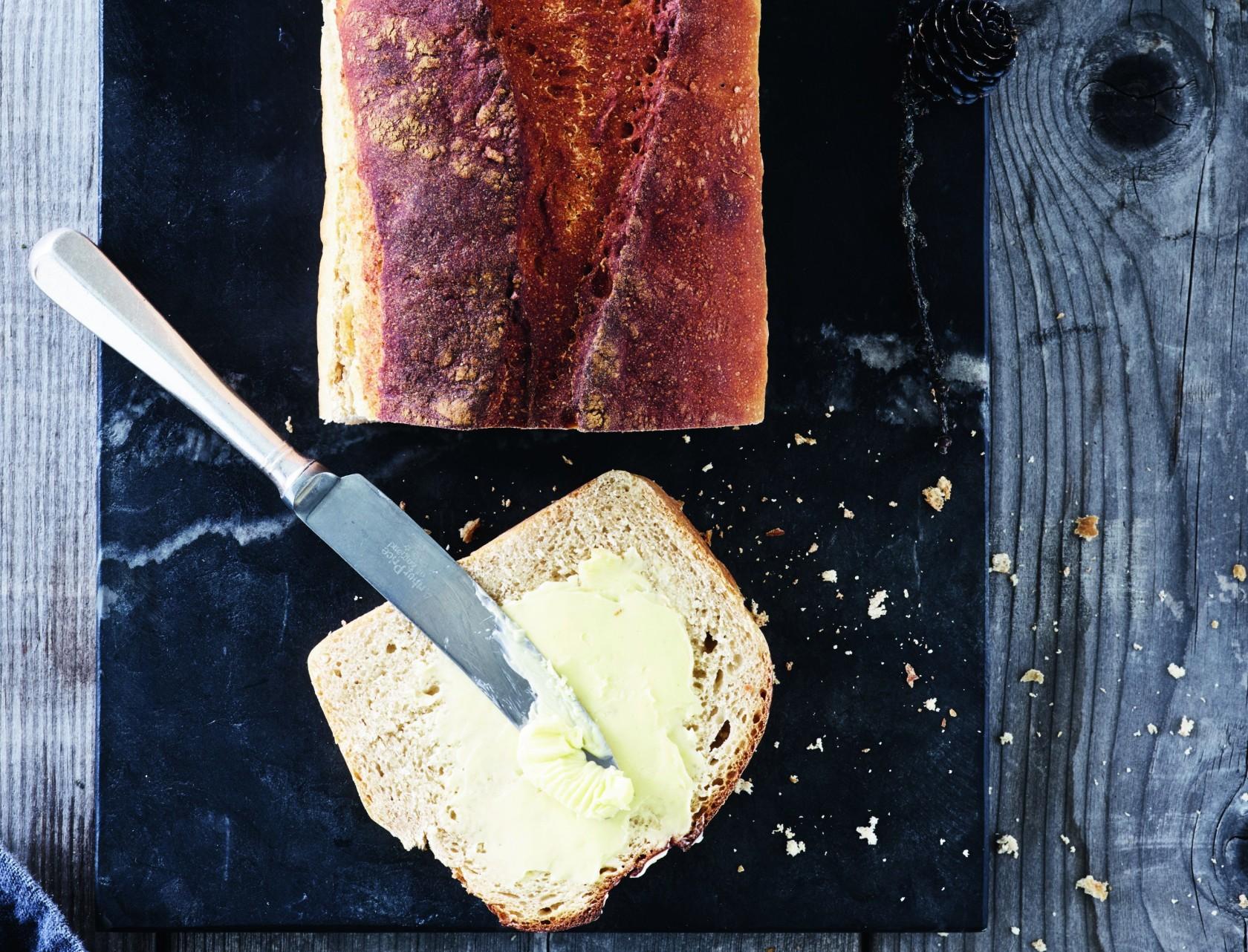 Gammeldags sigtebrød med kærnemælk - virkelig lækker opskrift!