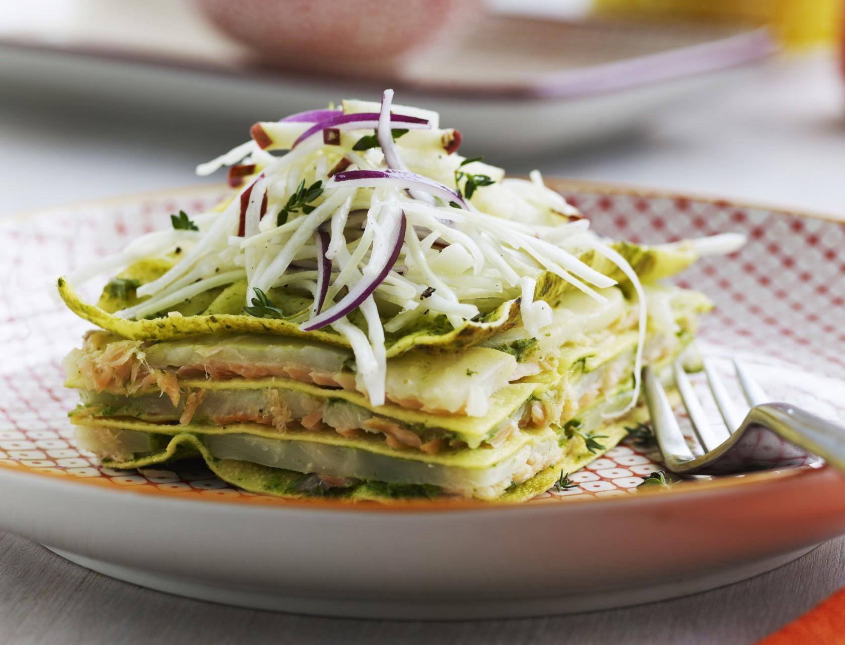 Lasagne med røget laks - lækker opskrift fyldt med grøntsager.
