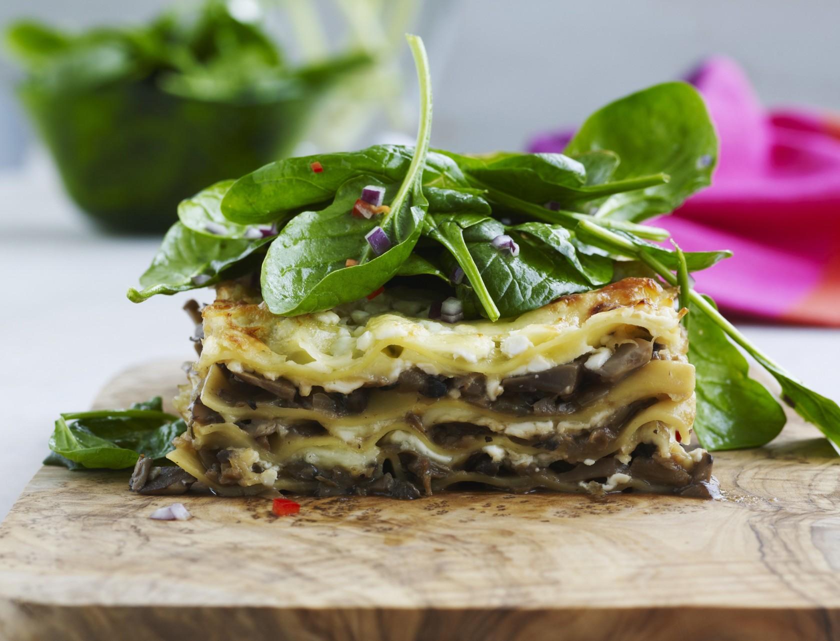 Lækker opskrift på lasagne med svampefyld - en skøn udgave af den klassiske version.