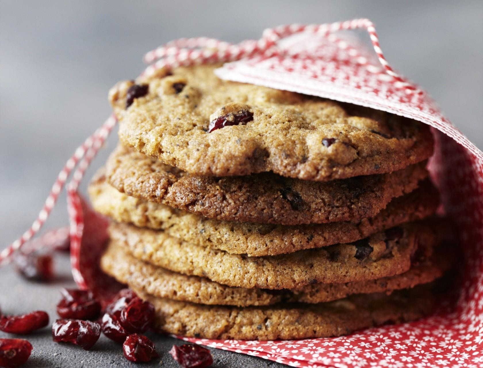 Lakridscookies med tranebær og hvid chokolade - nem opskrift på småkager med lakrids.