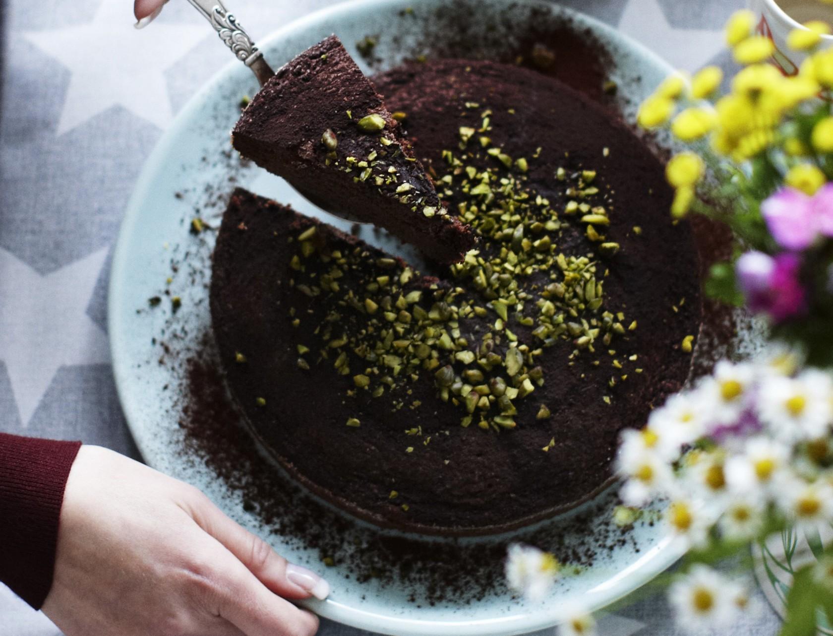 Chokoladekage med pistacie - nem og lækker!
