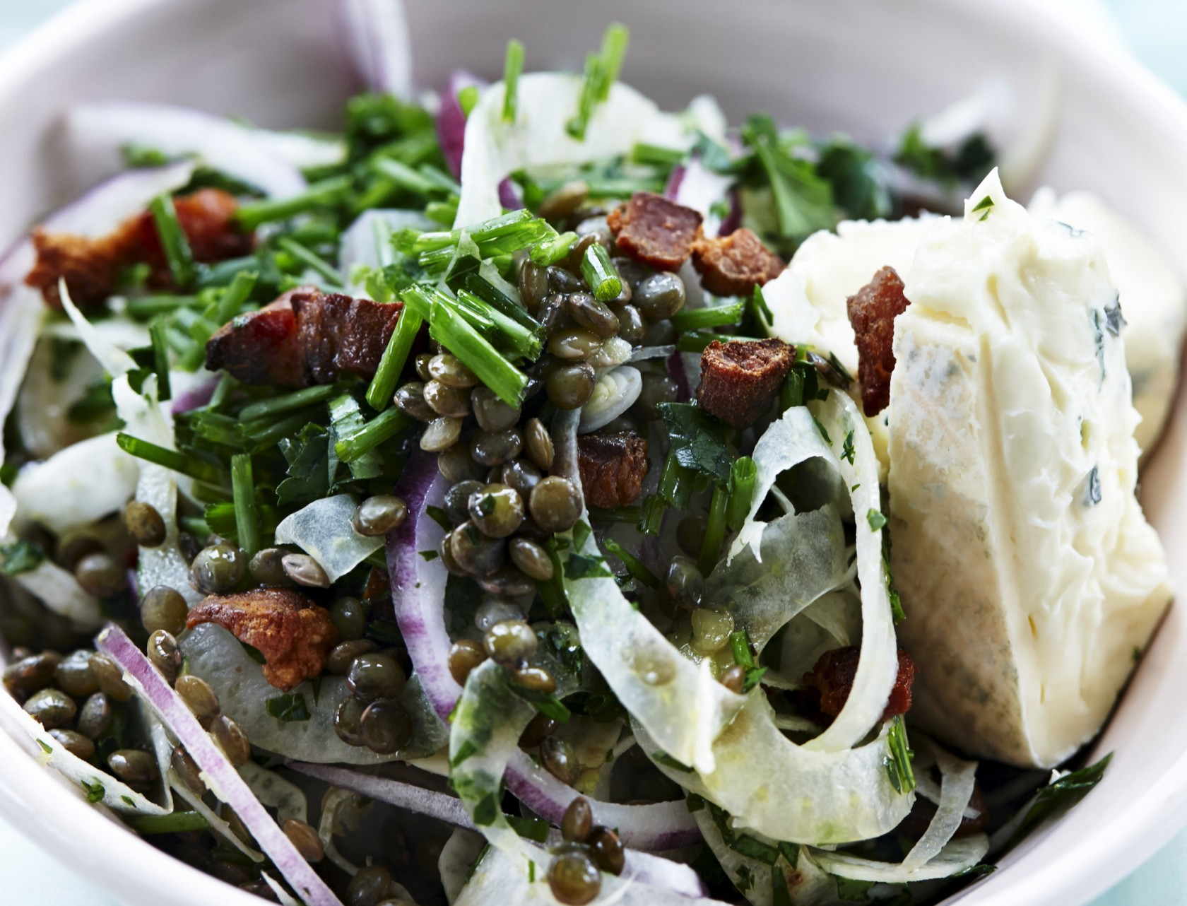 Grøn linsesalat med fennikel og bacon