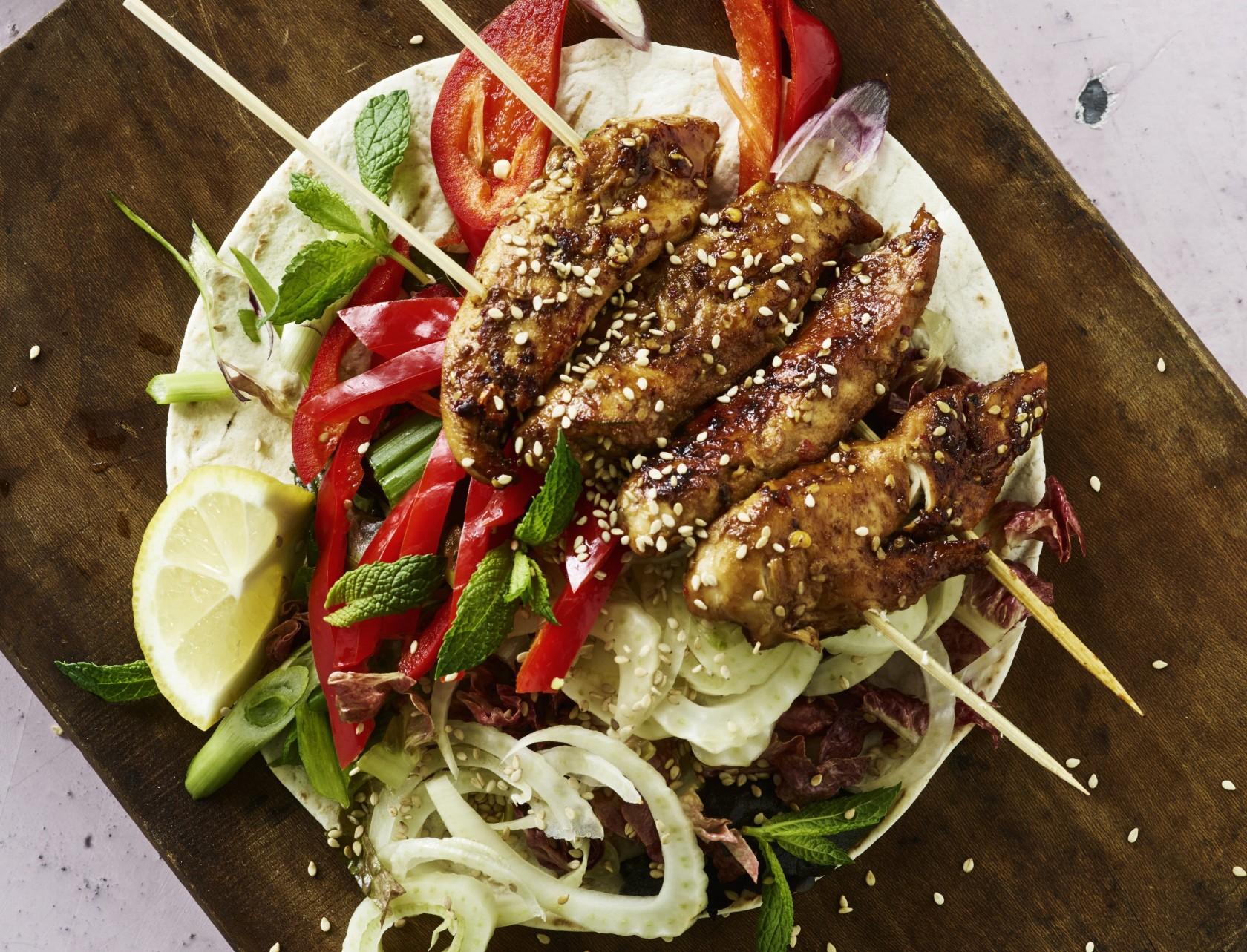 Kyllingekebab med fladbrød - lækker opskrift!