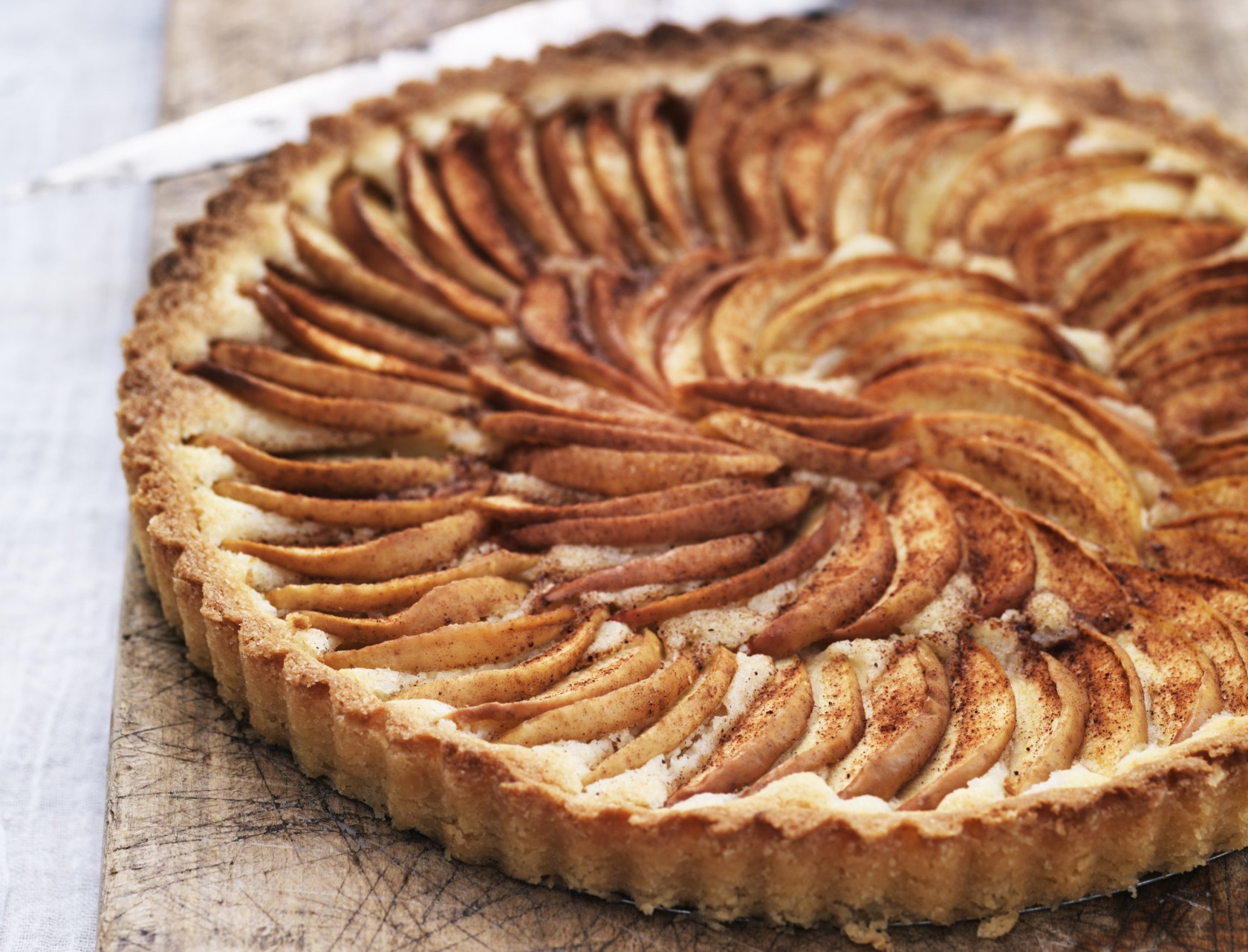 Æbletærte med kanelsukker