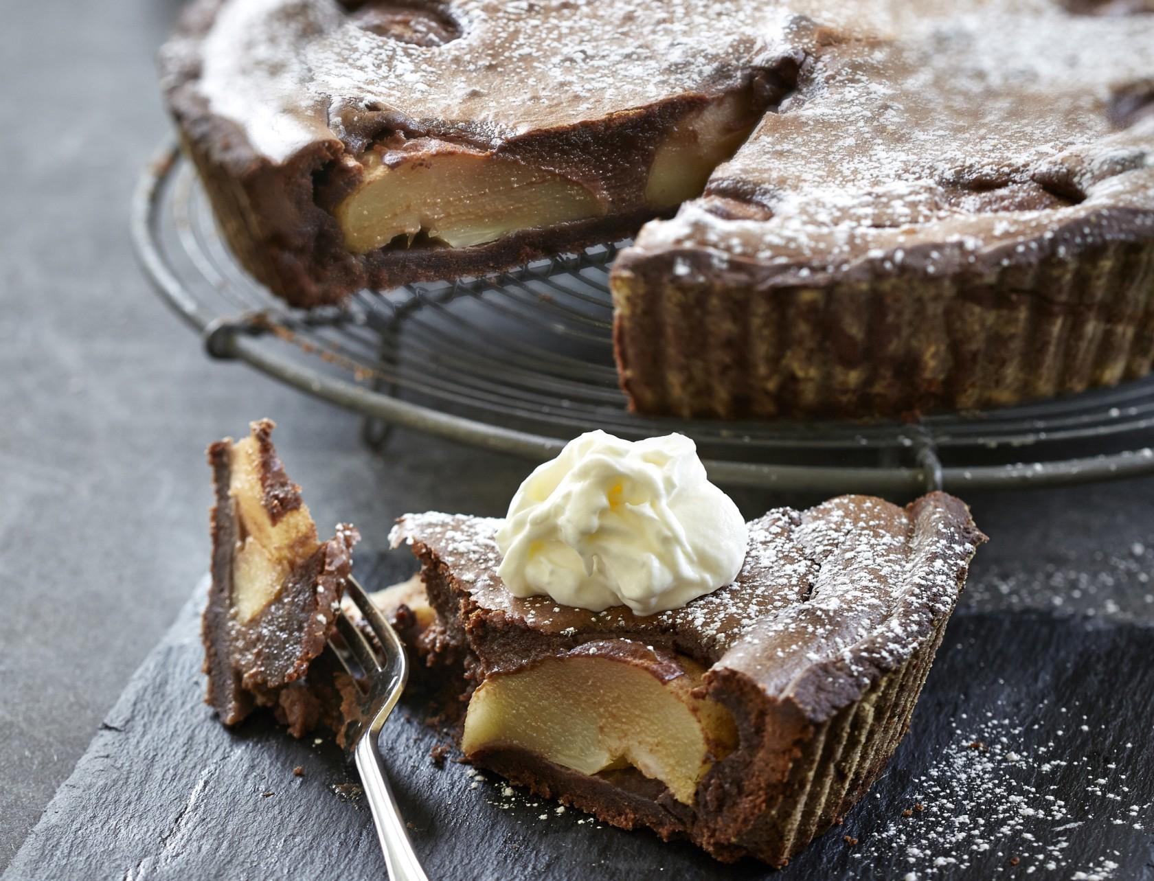 Pæretærte med marcipan og chokolade