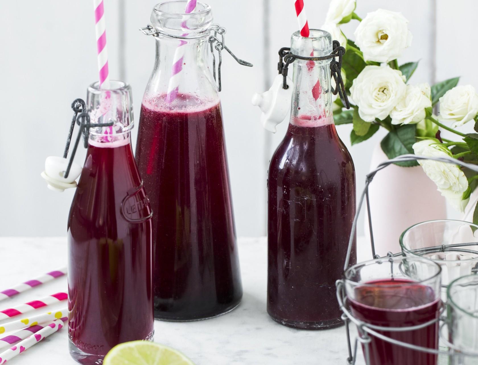 Solbærsaft med lime - den bedste opskrift på hjemmelavet saft!