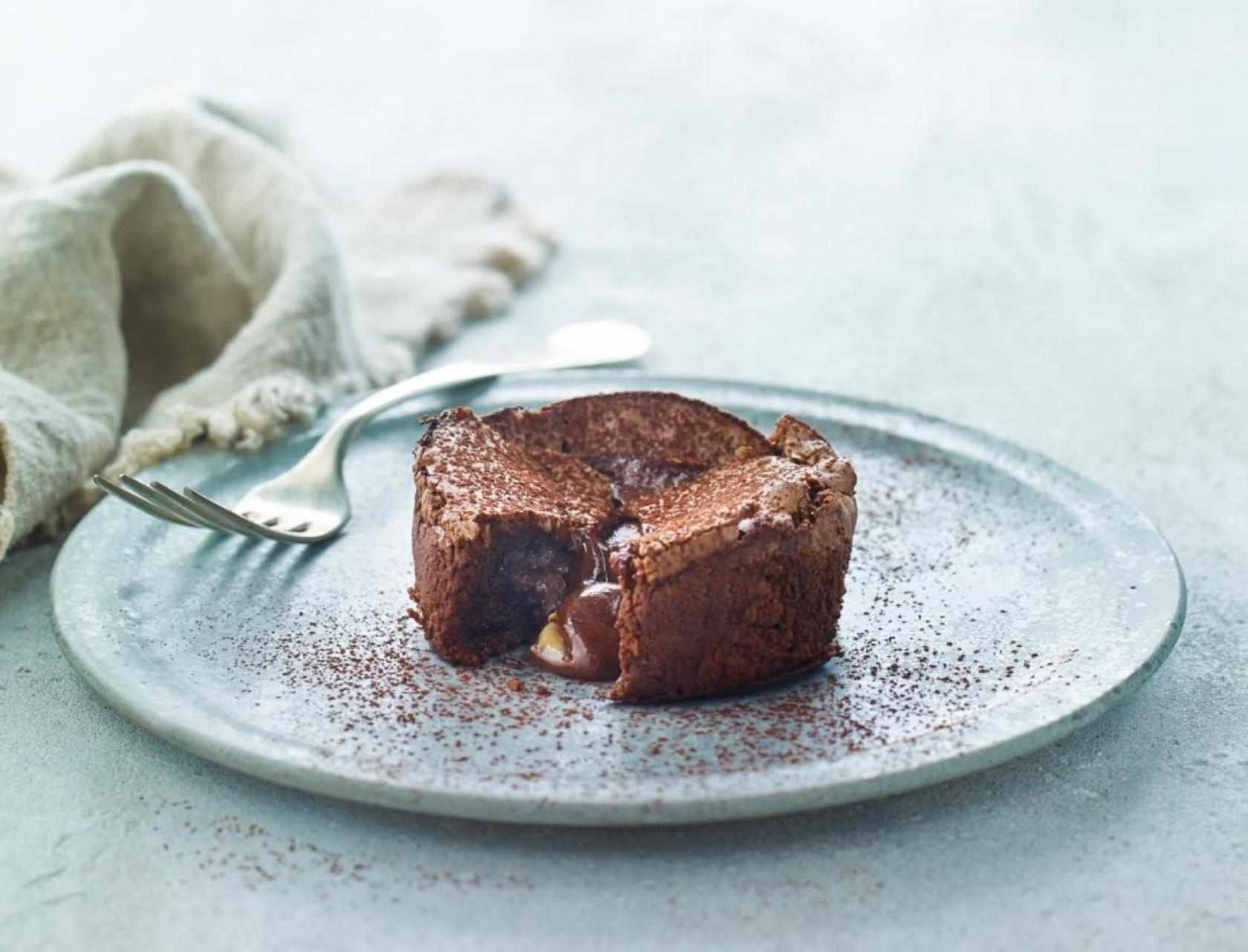 Blødende chokoladekage med peanutbutter - den bedste opskrift!