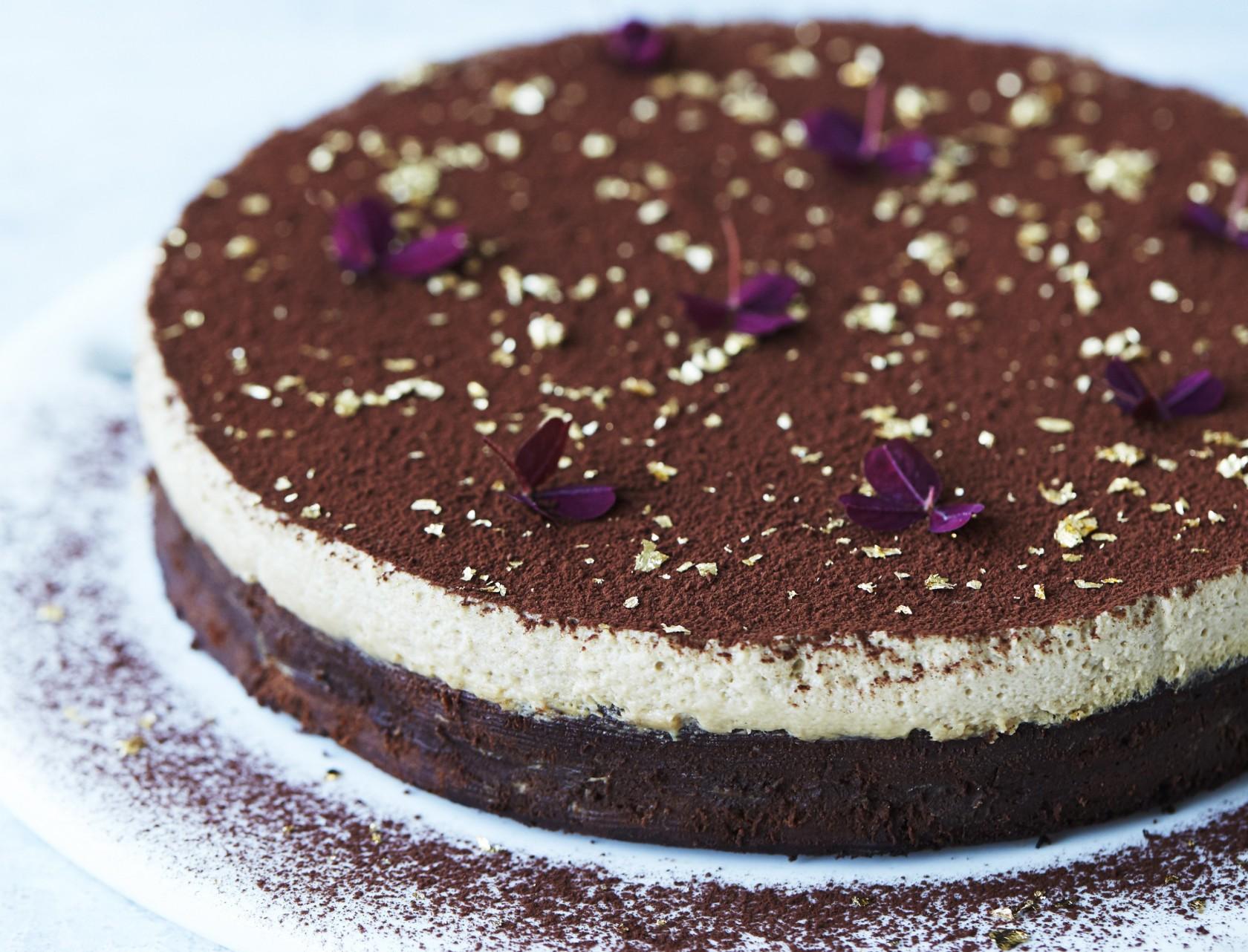 Chokoladekage med kaffemousse - den bedste opskrift!